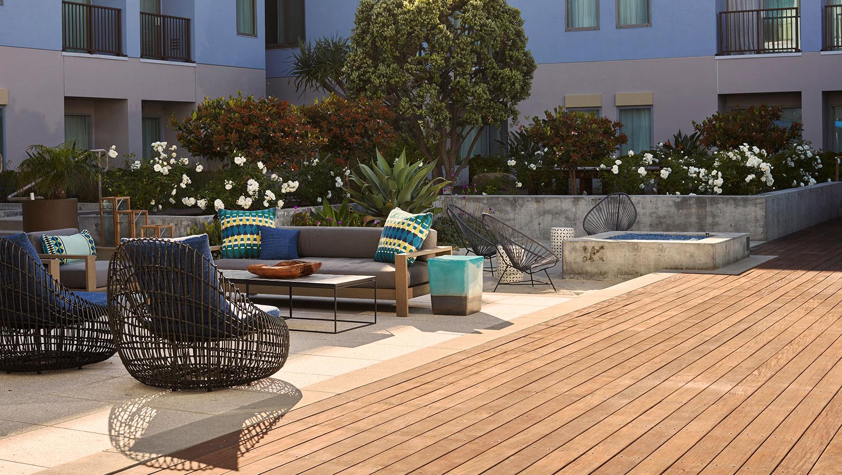 boutique huntington beach resort photos kimpton. Black Bedroom Furniture Sets. Home Design Ideas