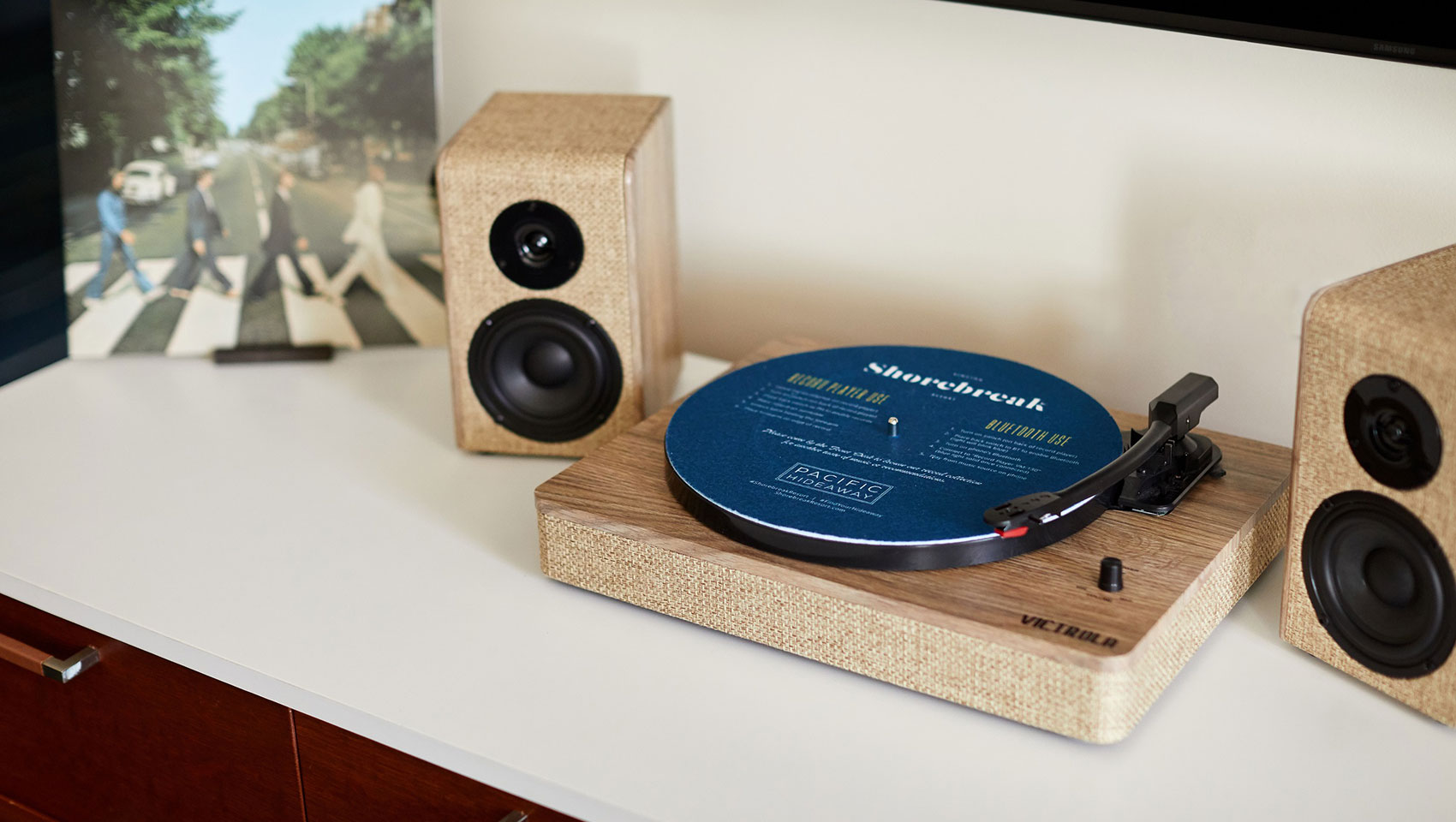Kimpton Shorebreak in-room record players