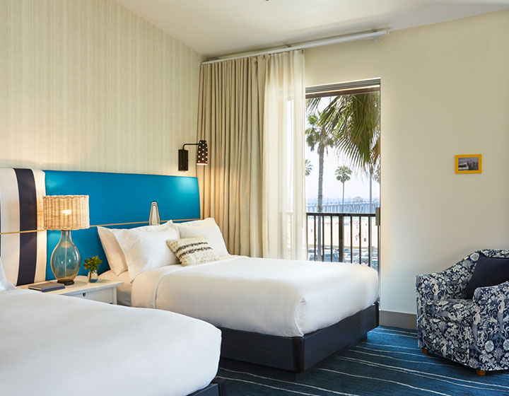 King Suite guestroom at Shorebreak Resort